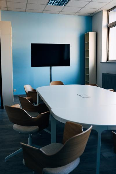 Achieving info-presence - the need to transform the traditional meeting room